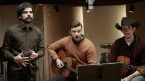 Oscar Isaac, Justin Timberlake and Adam Driver in Inside Llewyn Davis